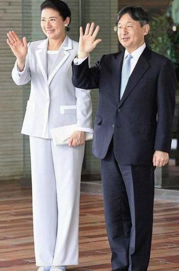 [画像]皇后雅子様のファッションが素敵!爽やかなスーツやレースのスーツでご公務に!